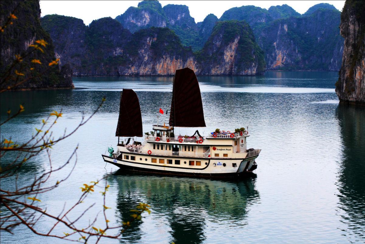 Hanoi – Mai Chau – Ninh Binh – Halong Bay 7D/6N
