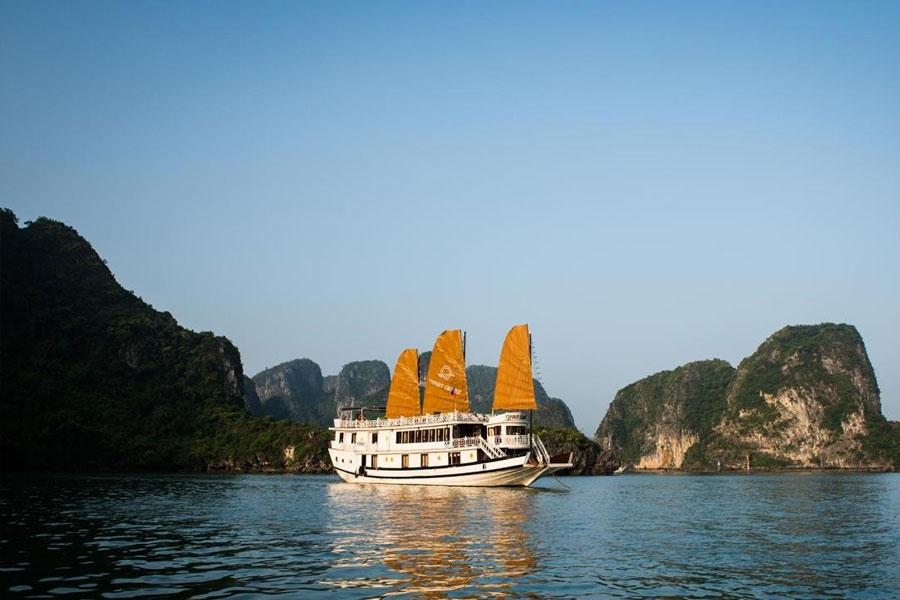 Hanoi – Ninh Binh – Halong Bay 5D/4N