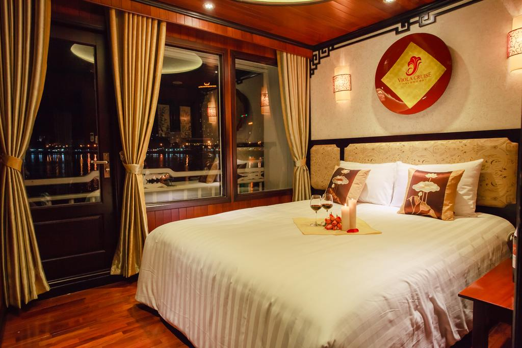 Saving Deals: Viola Cruise + Era Hotel & Puppet show