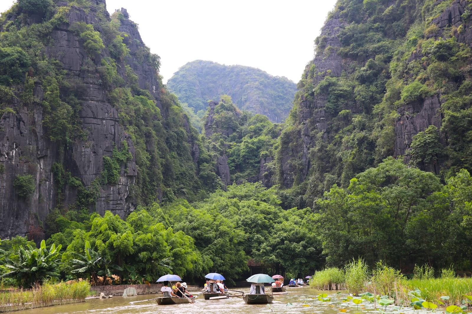 Hoa Lu – Mua Cave – Tam Coc 1day tour